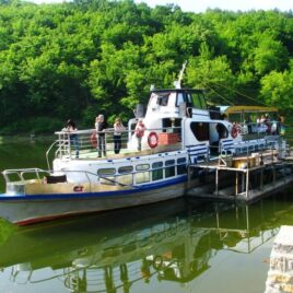 Корабликом по Дністровському каньйону
